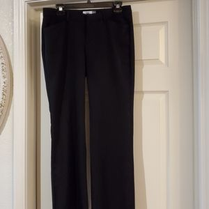 Old Navy ladies dress pants are size 6